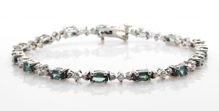 Amazing Alexandrite & Pretty Pearls: Discover June's Birthstones